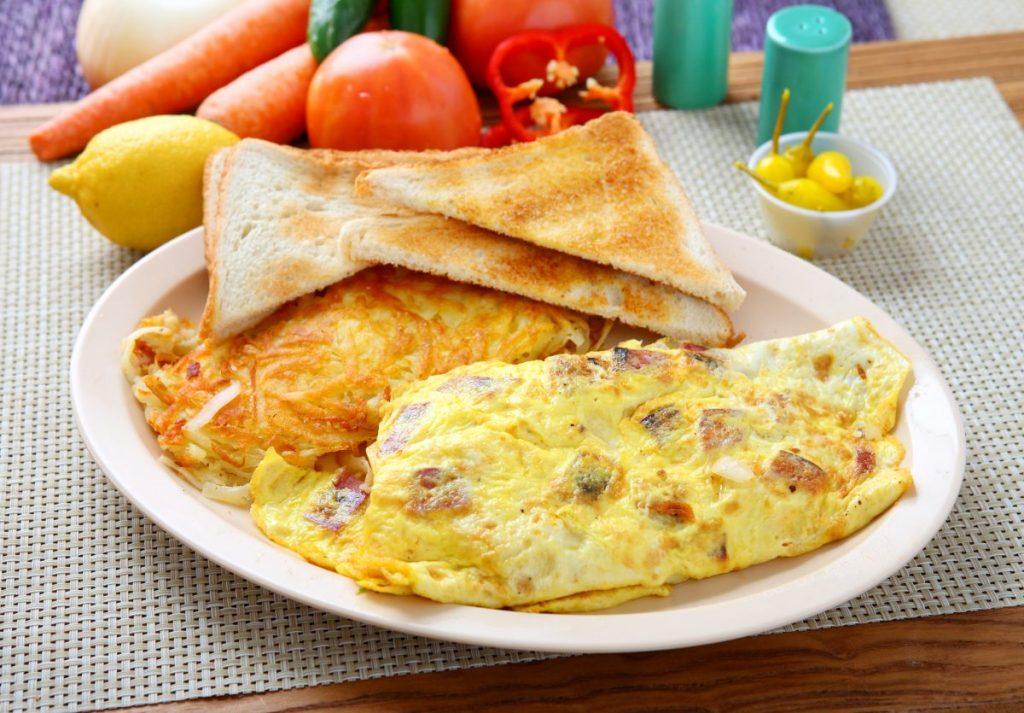 ham mushroom omelette toast breakfast