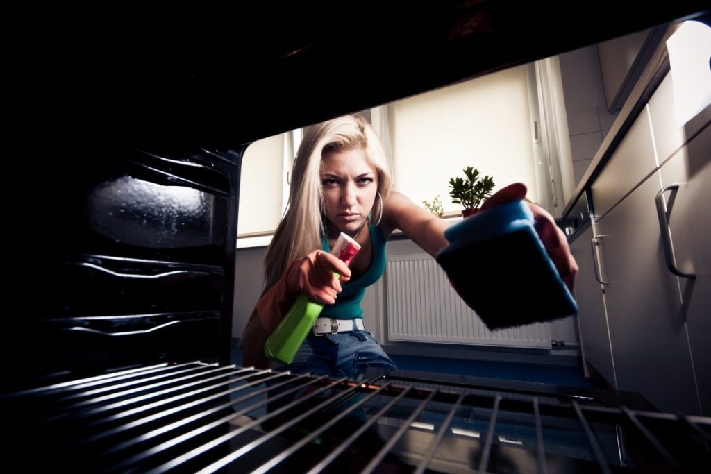 oven cleaning chemical smell odor