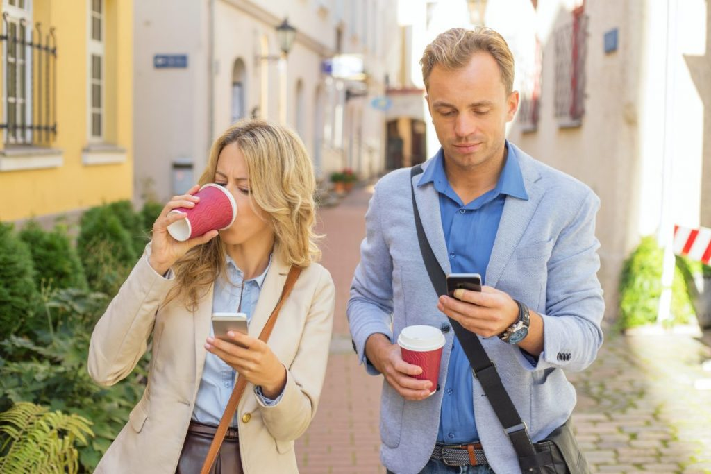 morning coffee couple rush commuting