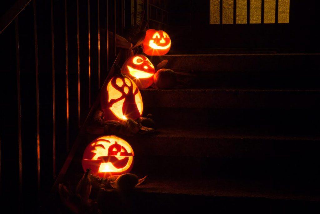 themed group pumpkins