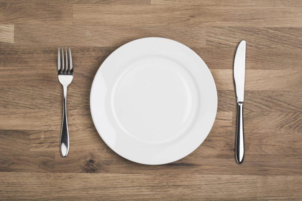 forks plate utensils