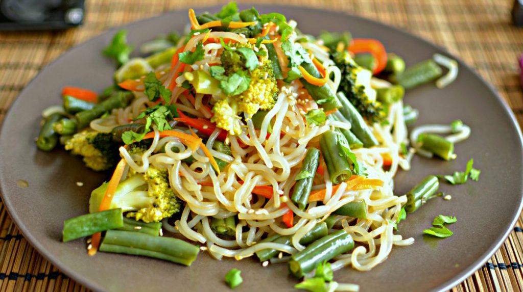 stir fry with shitake noodles