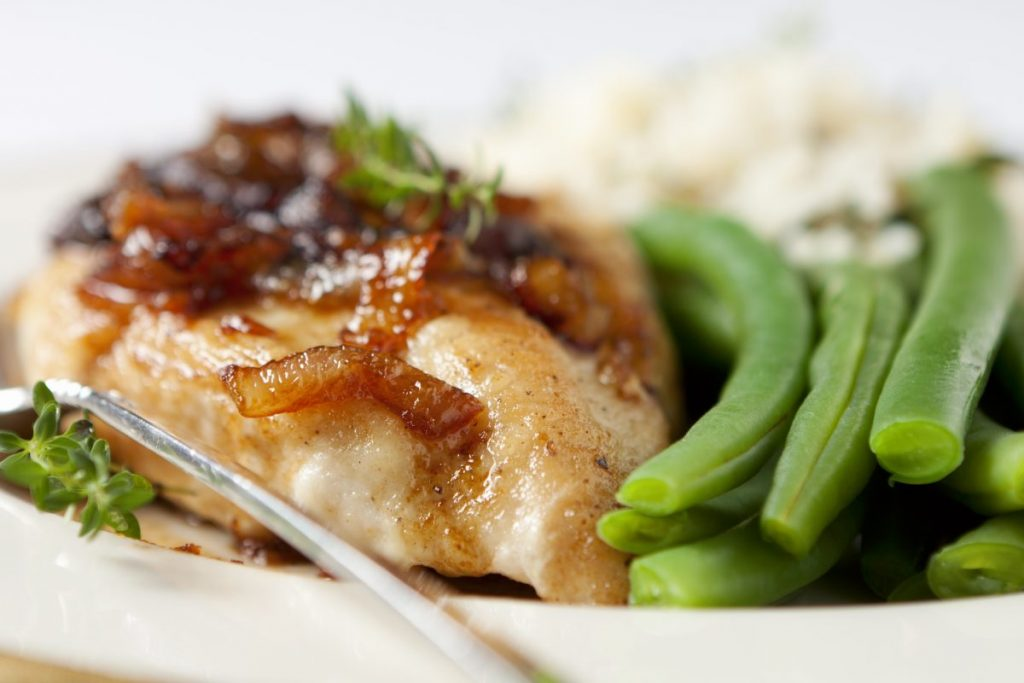 Chicken Marsala with green beans