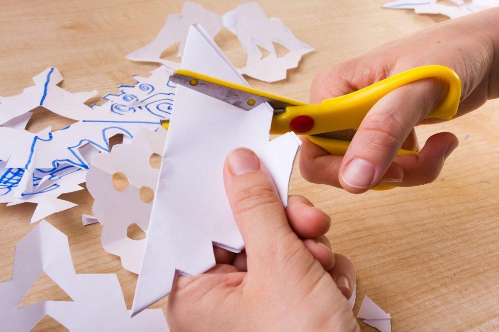 paper snowflake child creative