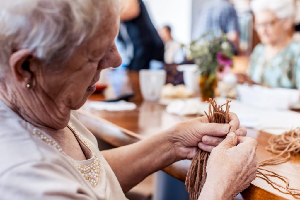 elderly crafts distraction sundown syndrome