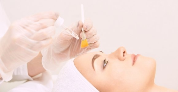 The Benefits and Side Effects of Glycolic Acid