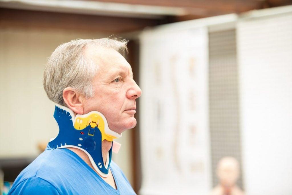 neck brace traction spine