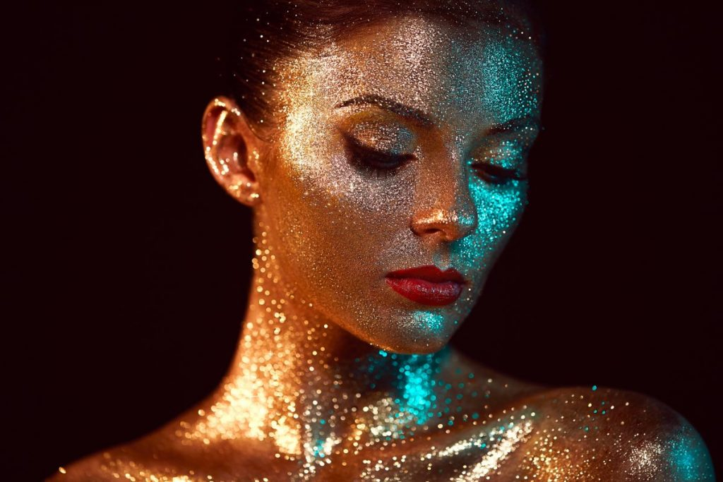 Embarrassing Beauty Trend Body Glitter