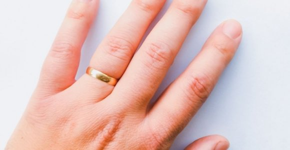 What Causes Swollen Fingers?