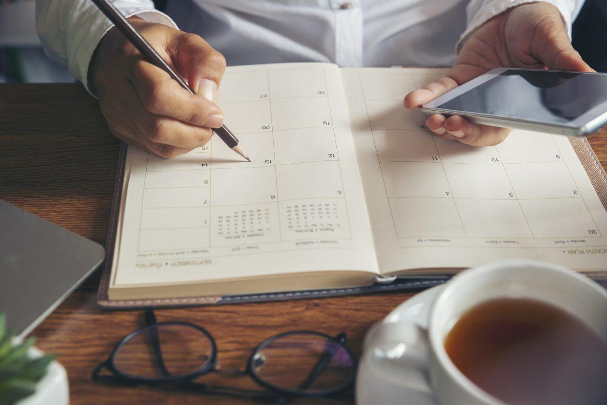 Automatically set regular meetings