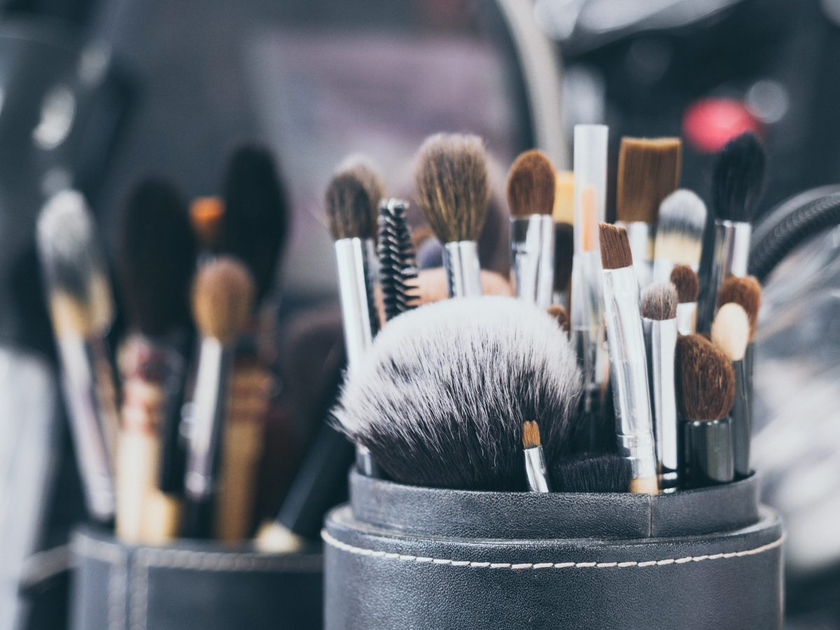 Replacing makeup brushes
