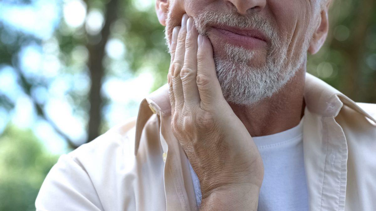 senior sore mouth