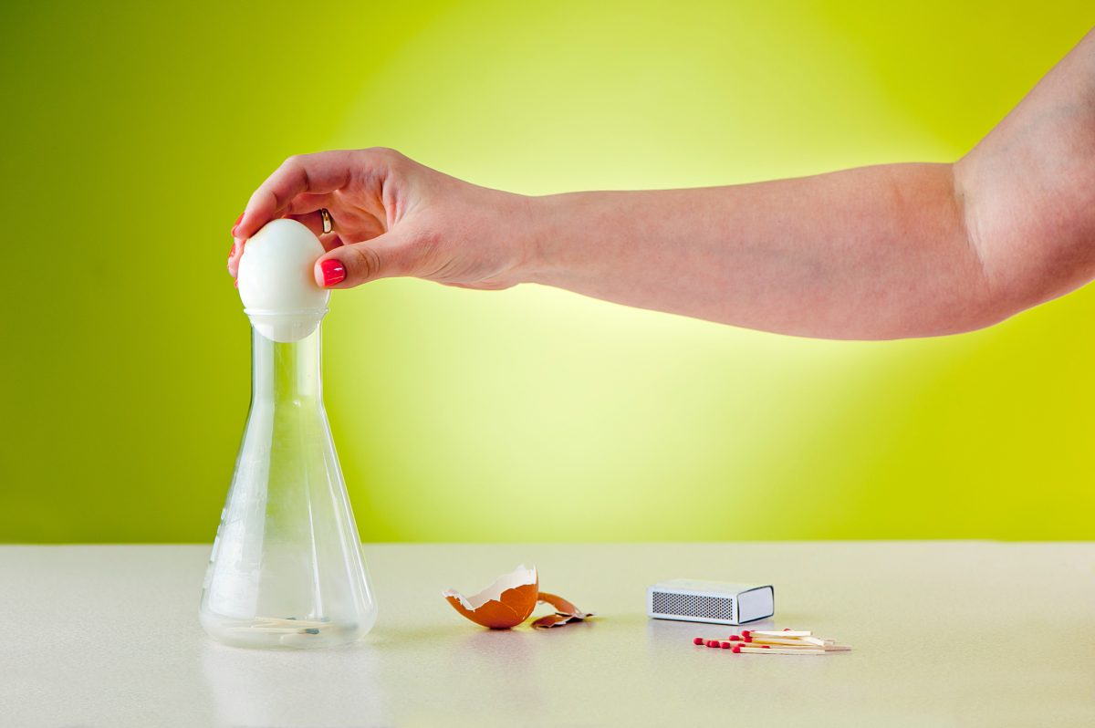 egg bottle experiment trick
