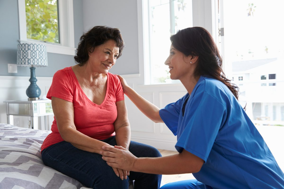 alzheimers dementia nurse woman
