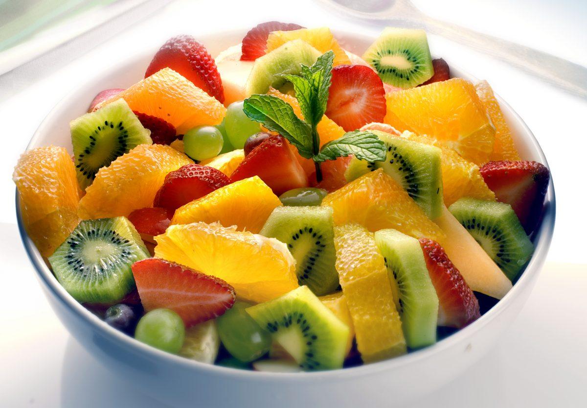 fruit salad picnic strawberries