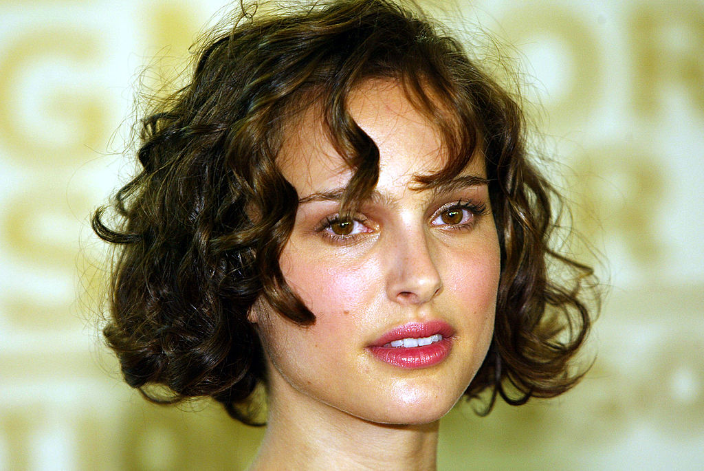 Actress Natalie Portman arrives at the annual Hollywood Foreign Press Association installation luncheon on August 11, 2004 at the Beverly Hills Hotel, in Beverly Hills, California.