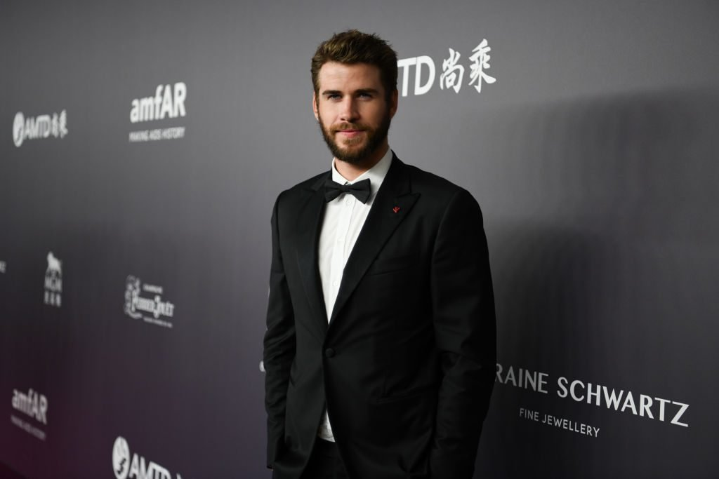 liam hemsworth red carpet