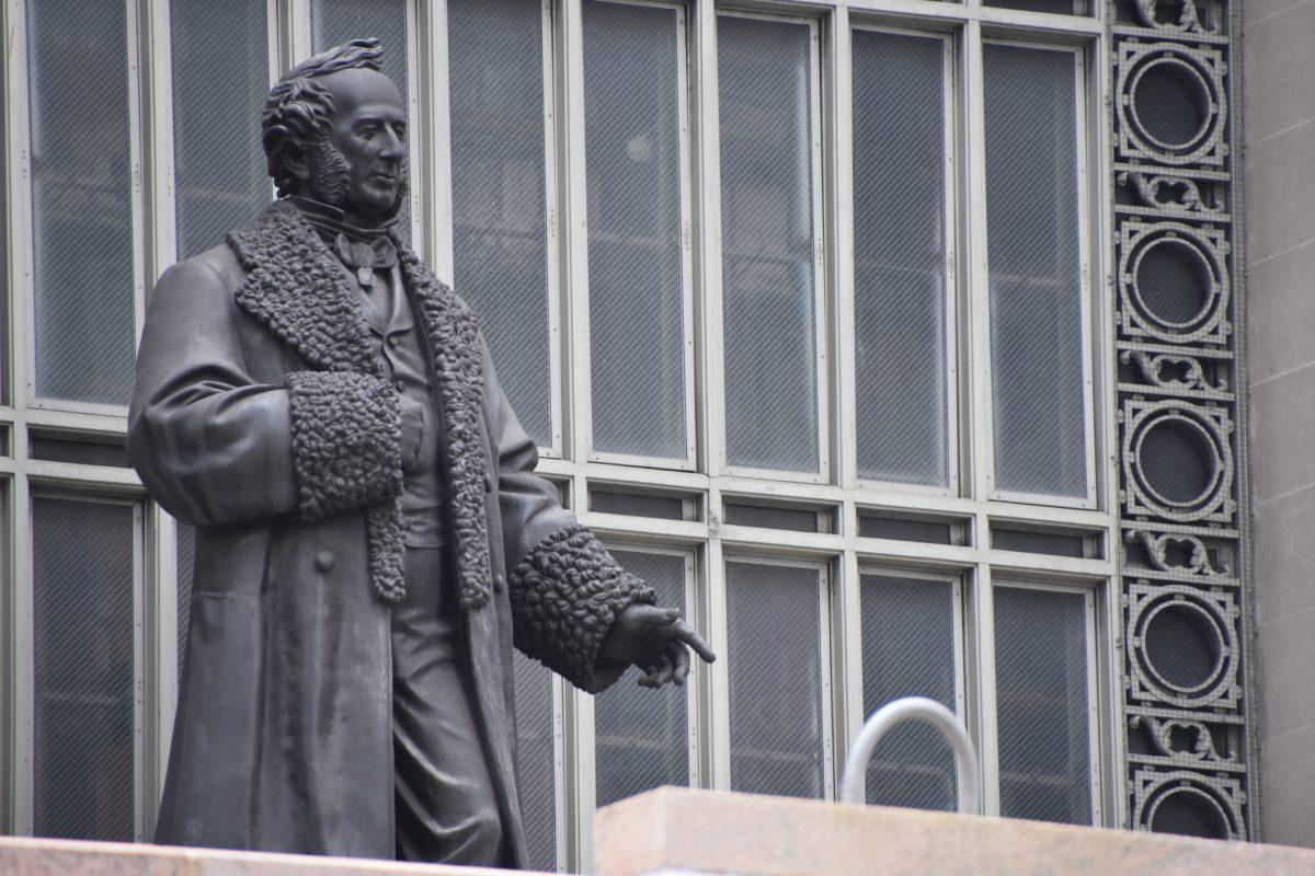 cornelius vanderbilt statue