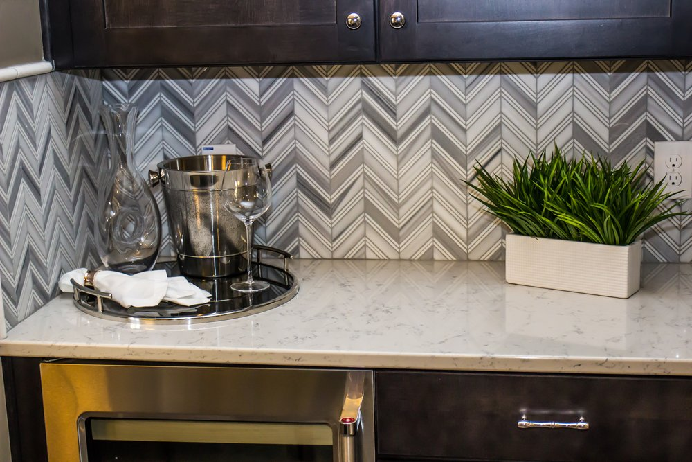 unique kitchen backspash chevron