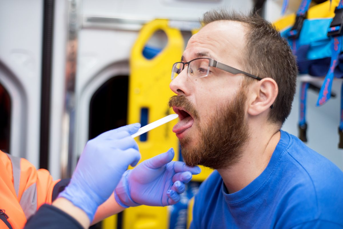 emergency examining tongue