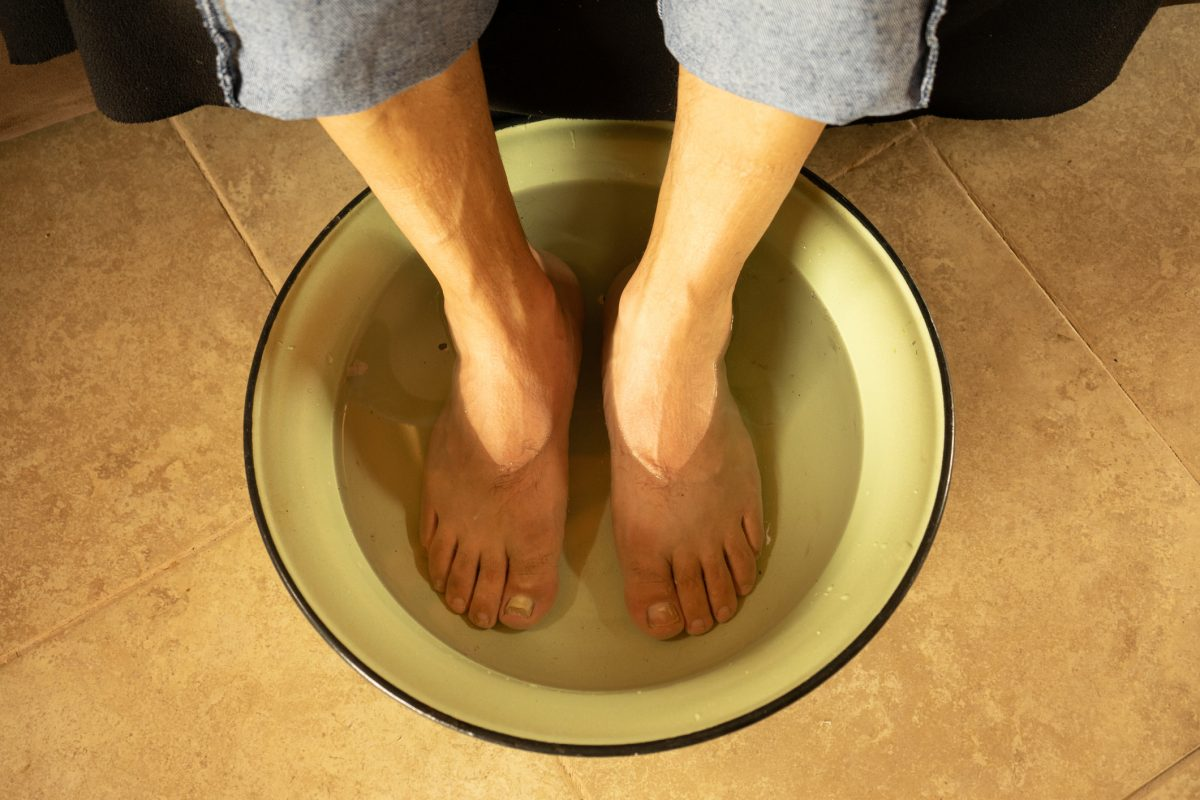 rubbing alcohol footbath