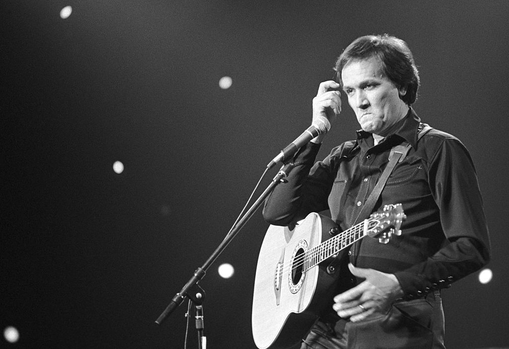 Roger Miller performs at Soundstage, Chicago, Illinois, May 10, 1982.
