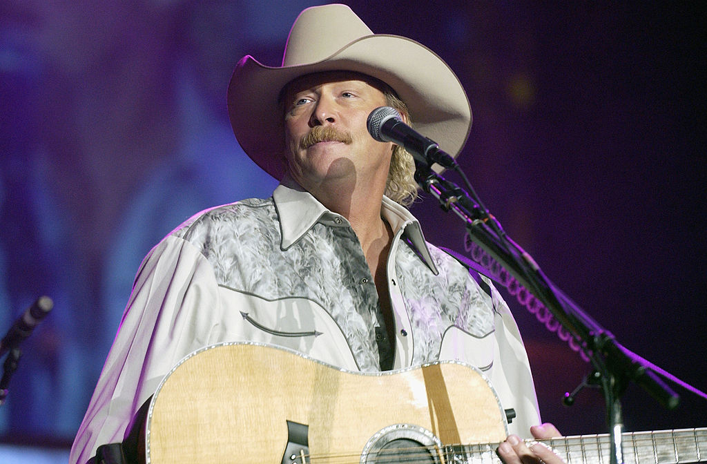 "MOUNTAIN VIEW, CA - APRIL 25: Alan Jackson performs in support of his ""What I Do"" release at Shoreline Amphitheatre on April 25, 2005 in Mountain View, California."