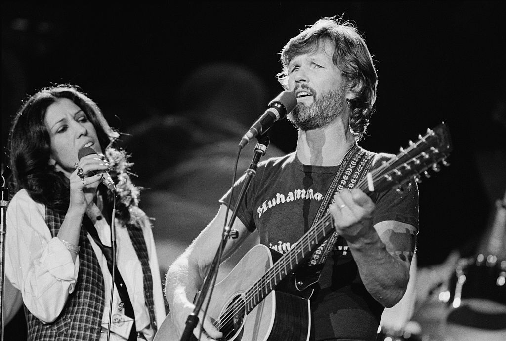 American singers Rita Coolidge and Kris Kristofferson perform 'Fallen Angels' at 'The Music for UNICEF Concert: A Gift of Song' benefit concert held at the United Nations General Assembly in New York City, 9th January 1979.