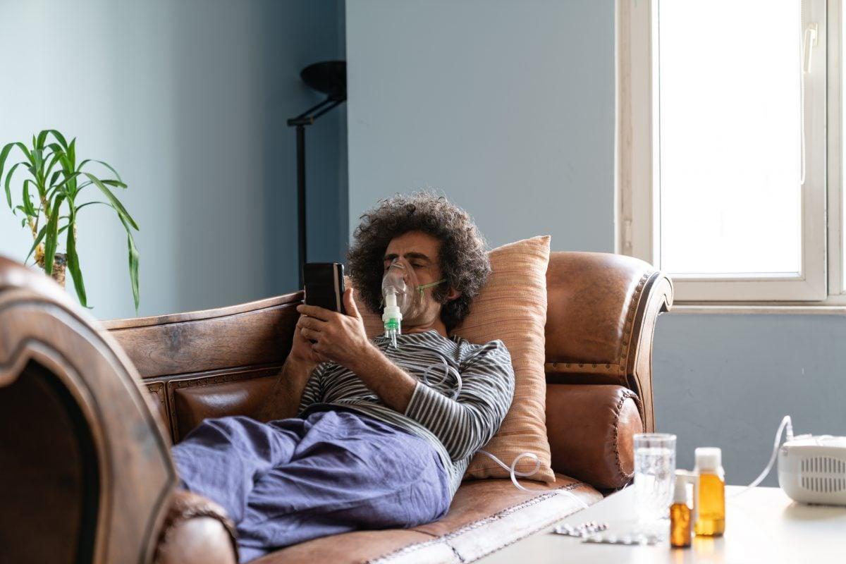 man nebulizer couch