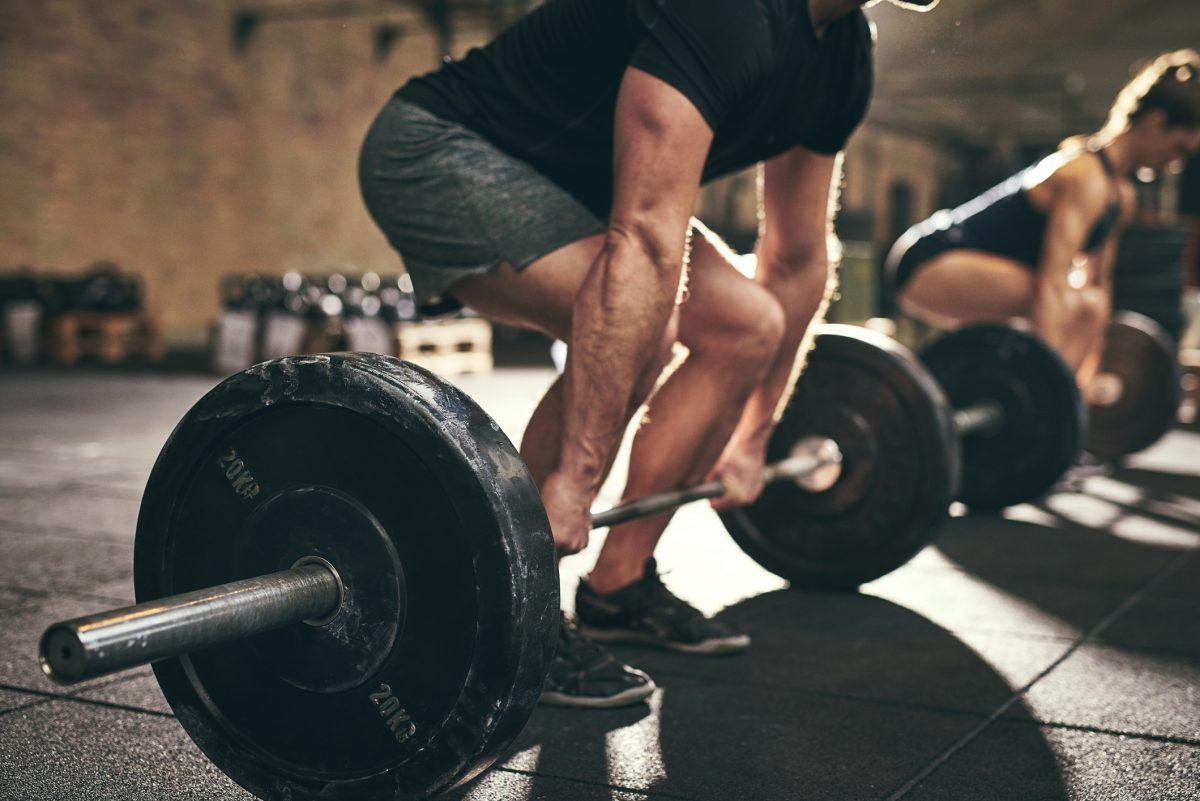 man bodybuilding weightlifting