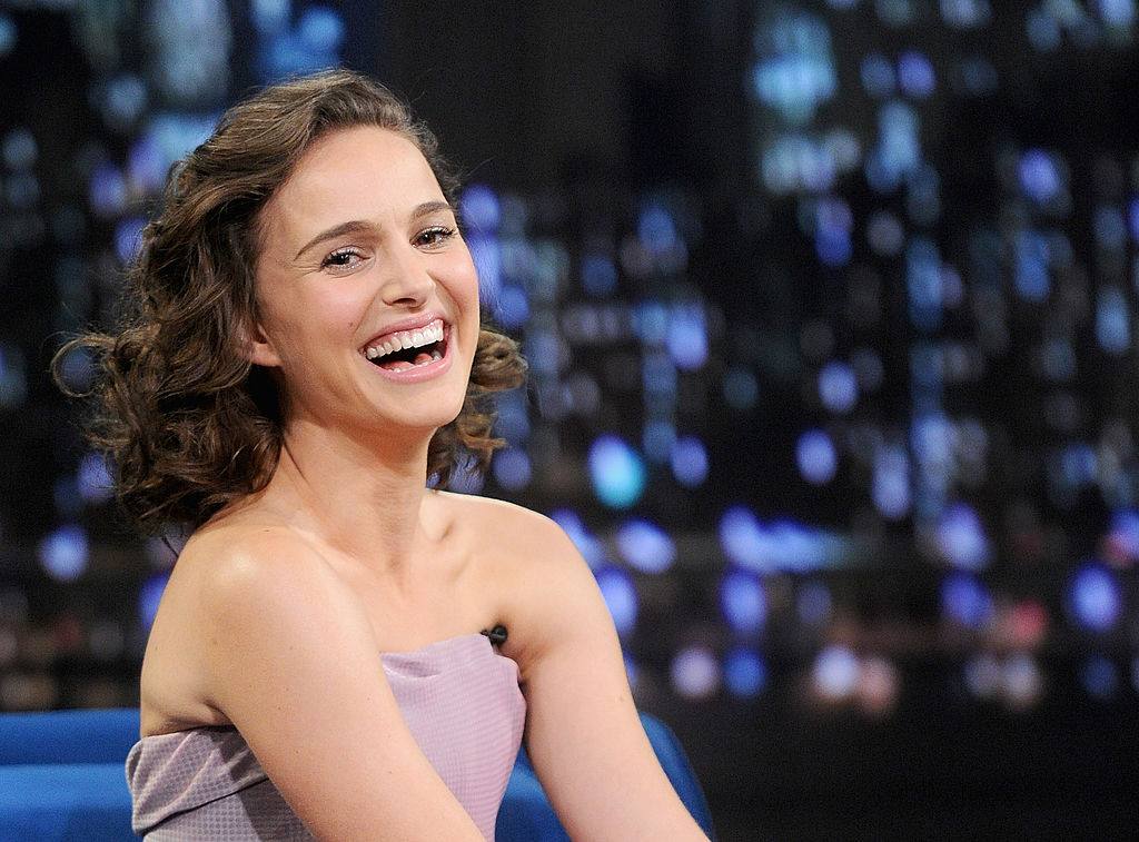 "NEW YORK, NY - NOVEMBER 07: Natalie Portman visits ""Late Night With Jimmy Fallon"" on November 7, 2013 in New York City. (Photo by Jamie McCarthy/Getty Images)"