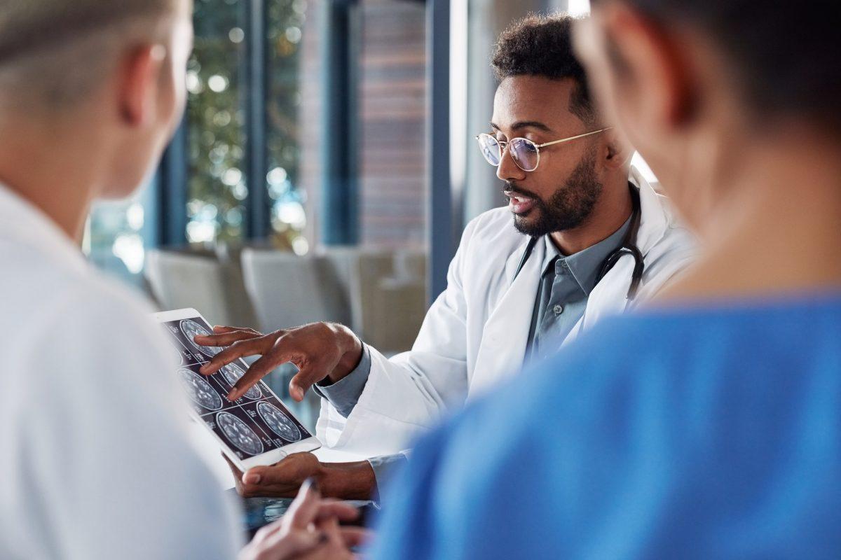 doctors brain scans