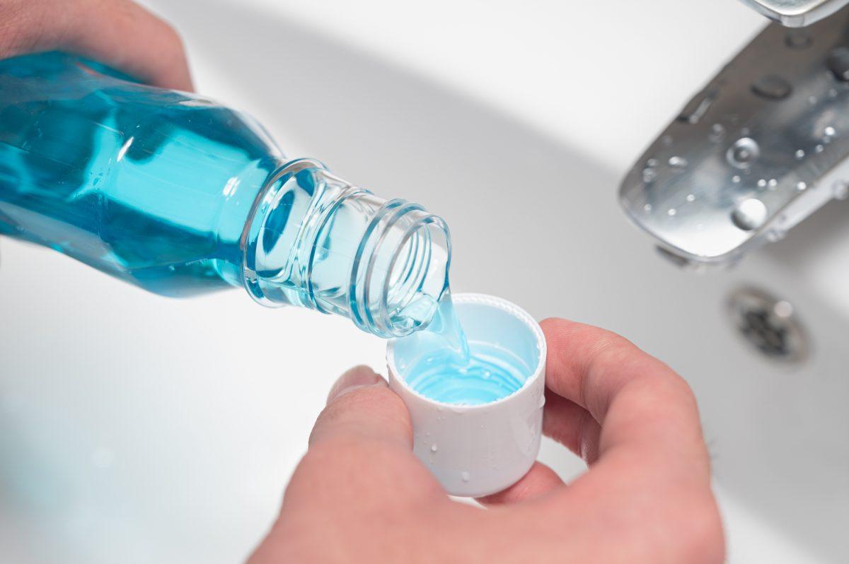 salt water alcohol mouthwash