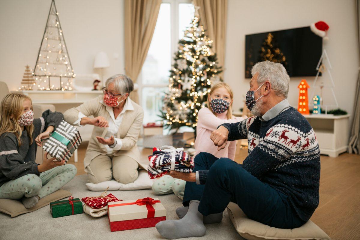 older adults masks holiday