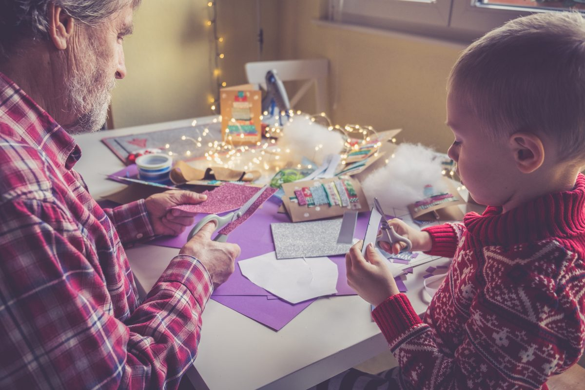 family crafts holidays