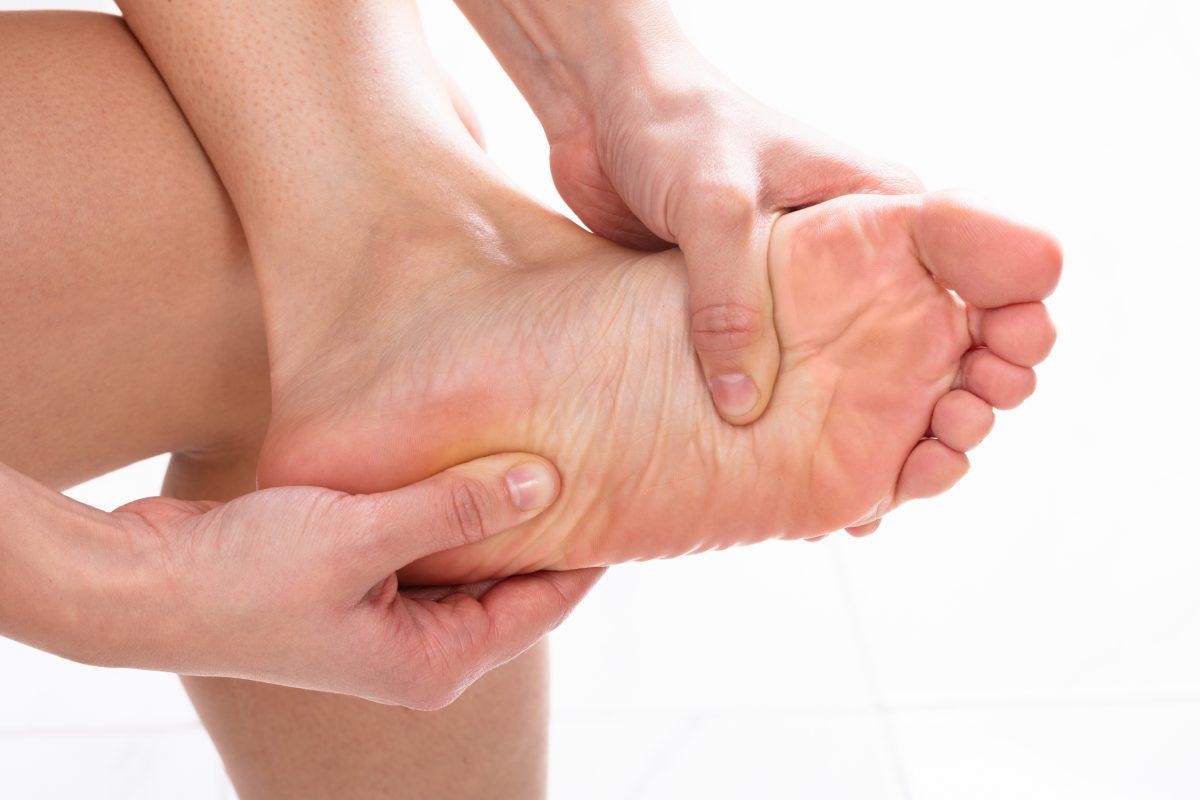 beriberi pain numbing legs feet