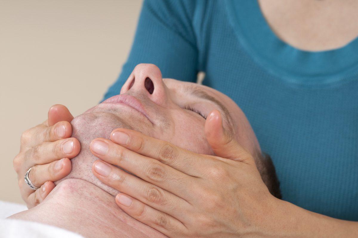 face jaw massage