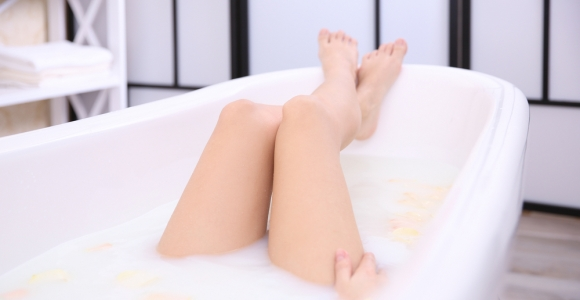 A Milk Bath Can Nourish Skin and Soothe the Senses