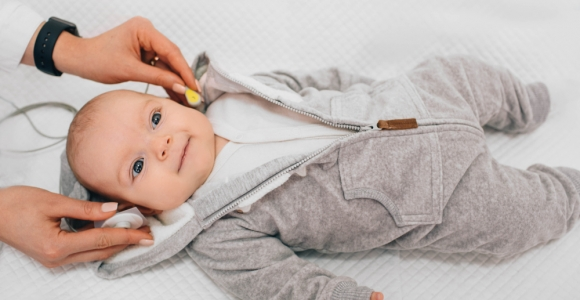 Signs of Hearing Impairment in Infants