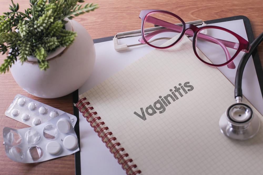 notebook, stethoscope, pills: vaginitis