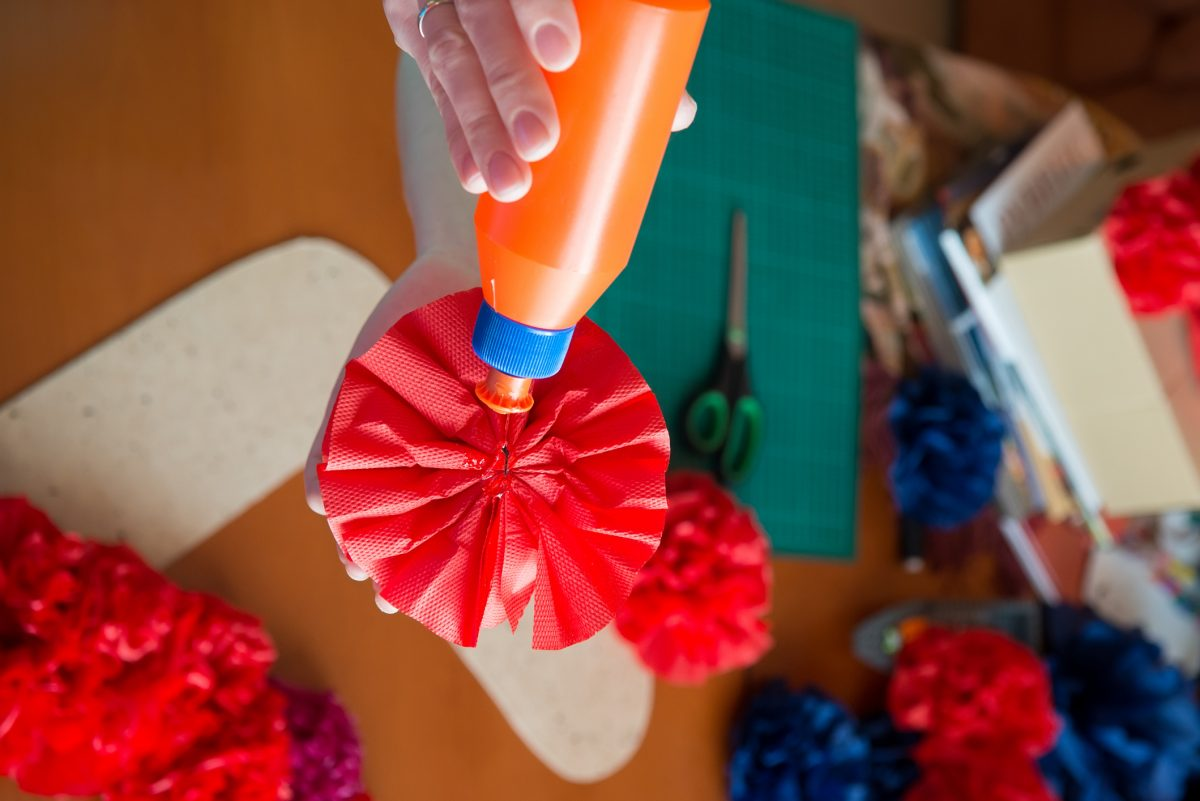 Tissue paper flowers glue the backs of the flowers
